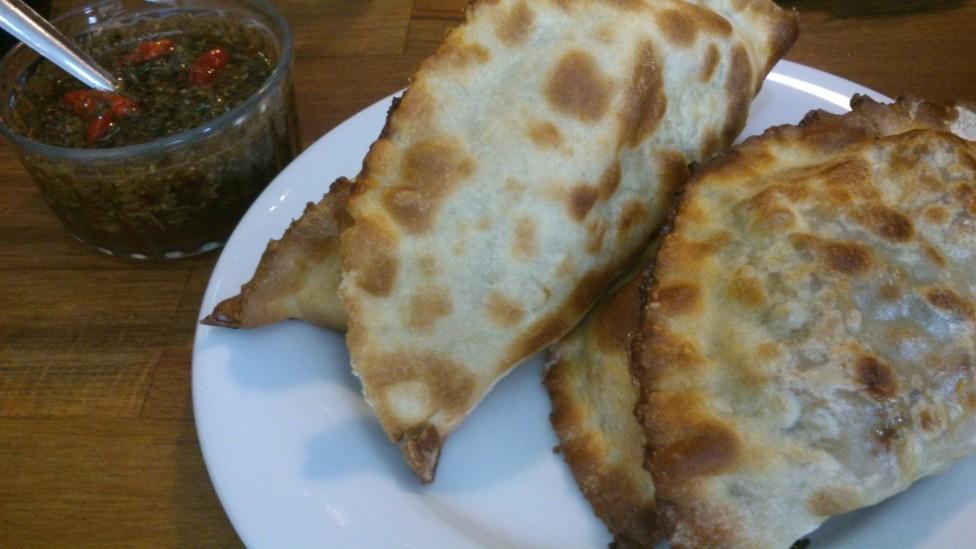 empanadas-sauce-chimichurri
