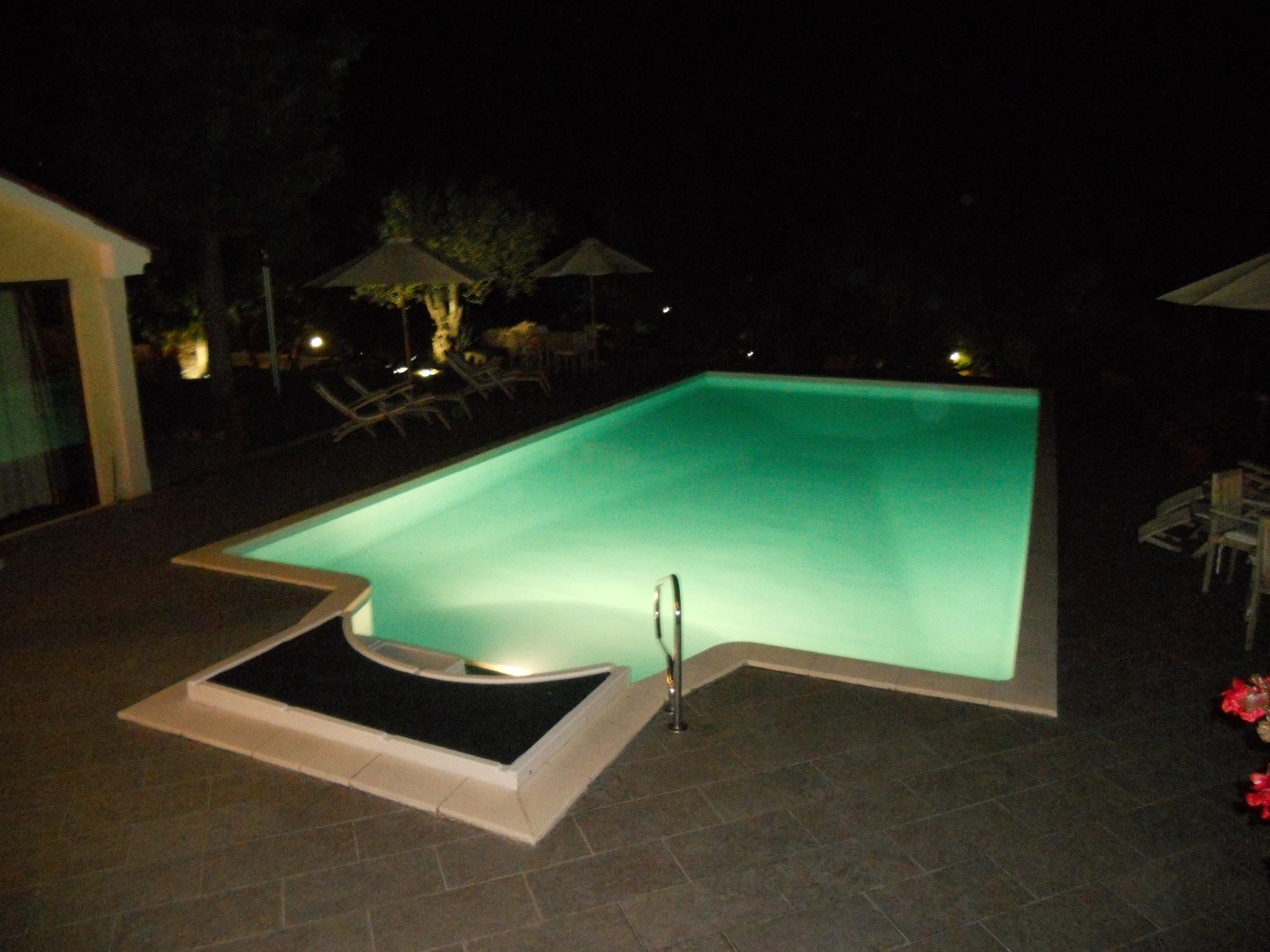 piscine-nuit-san-rocco