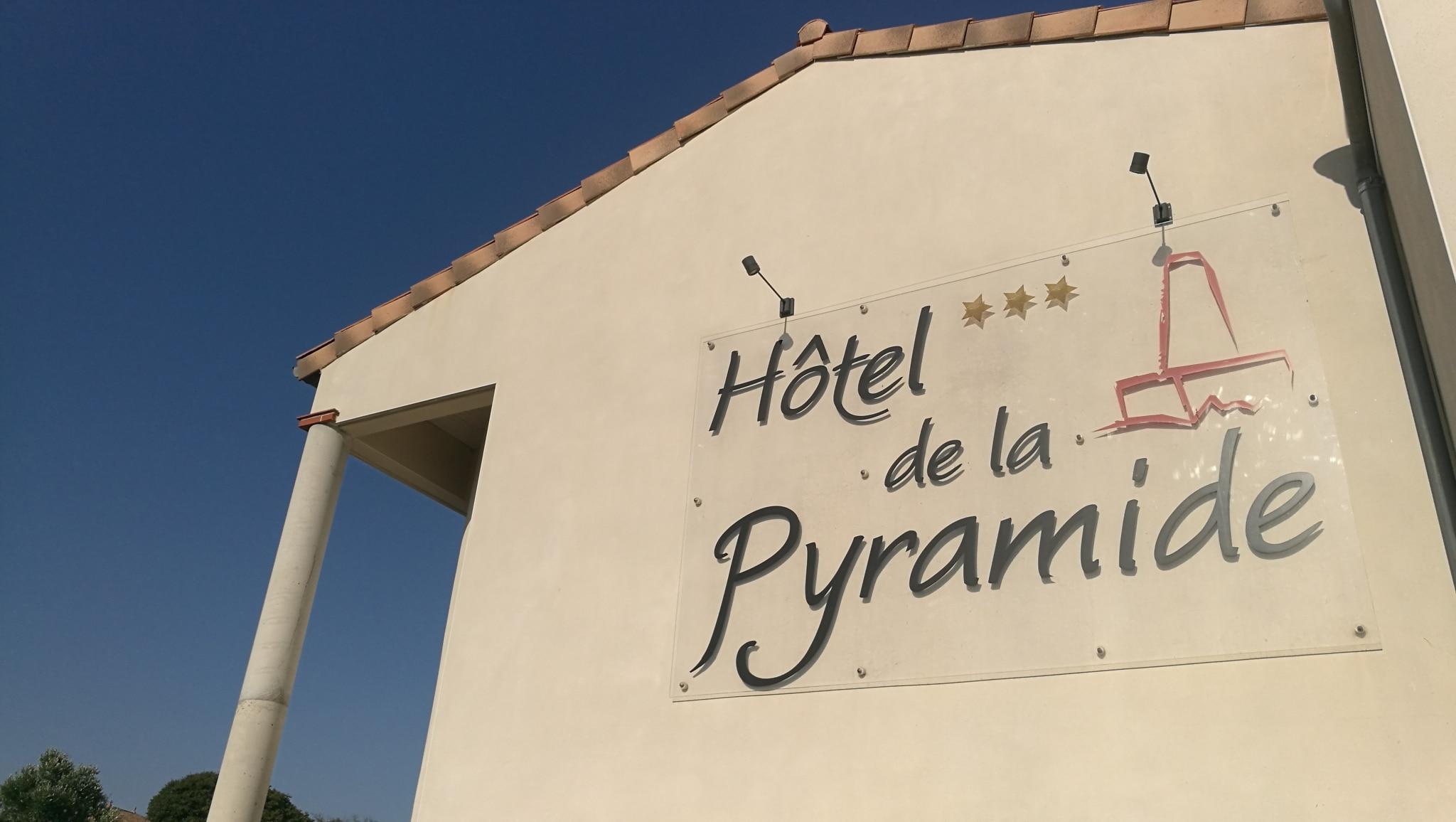 Logo hôtel de la Pyramide Mèze