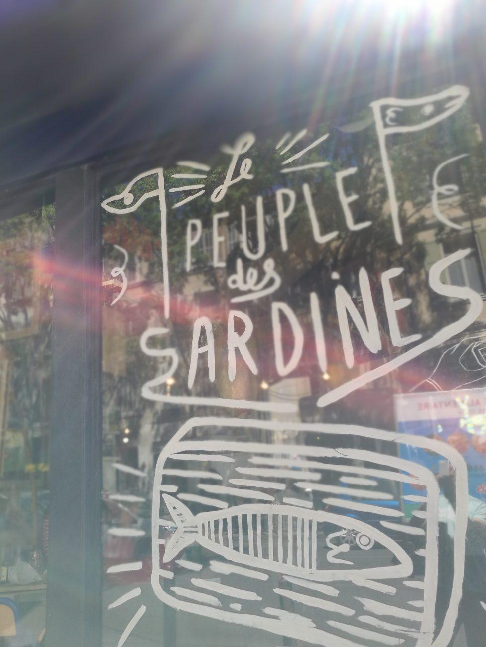 Restaurant la boite à sardine, le peuple des sardines