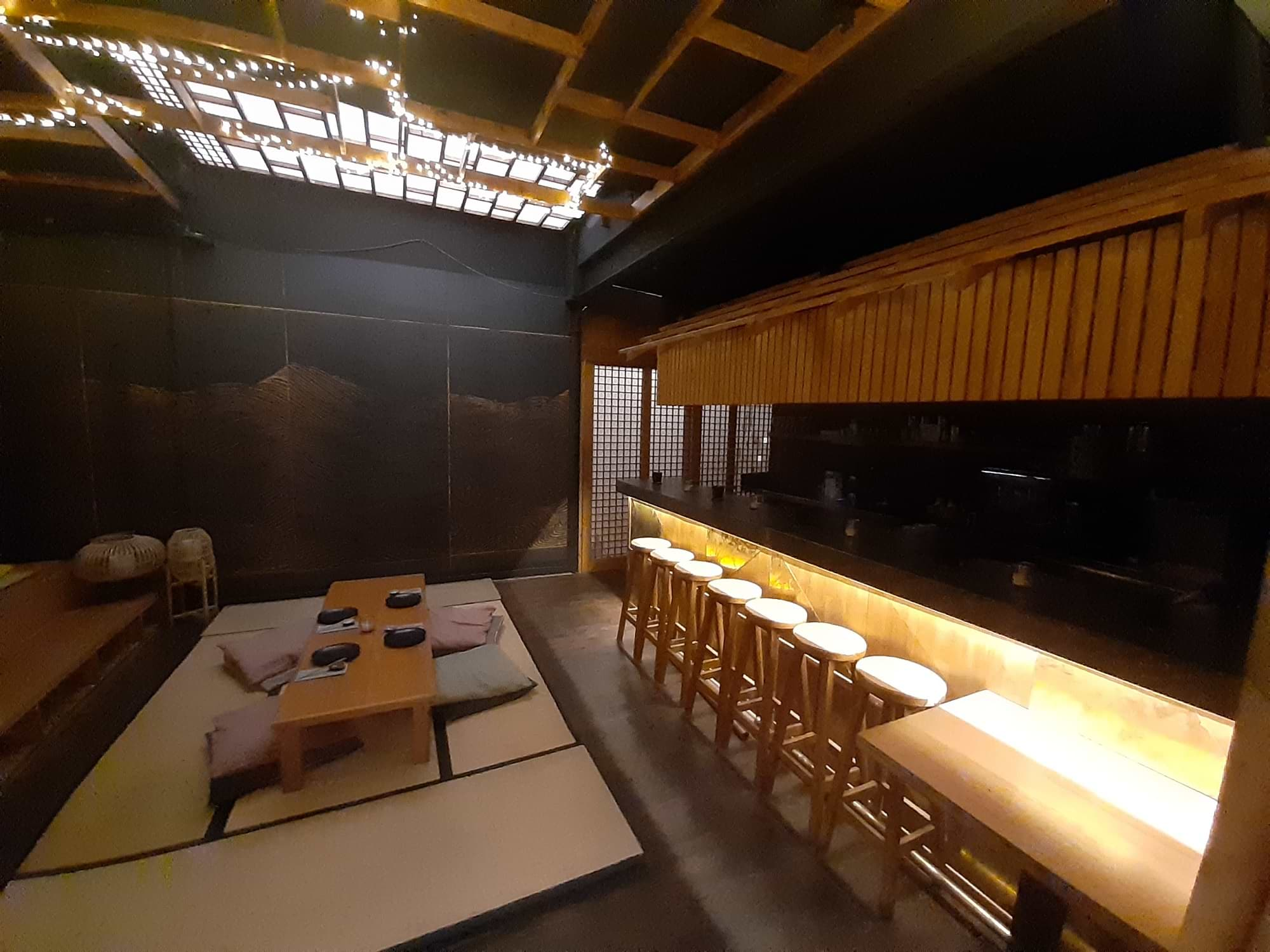 Salle en sous-sol Kobu